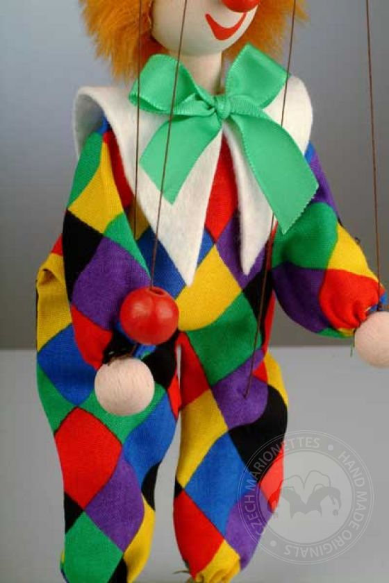 Clown Standa avec un chapeau pointu