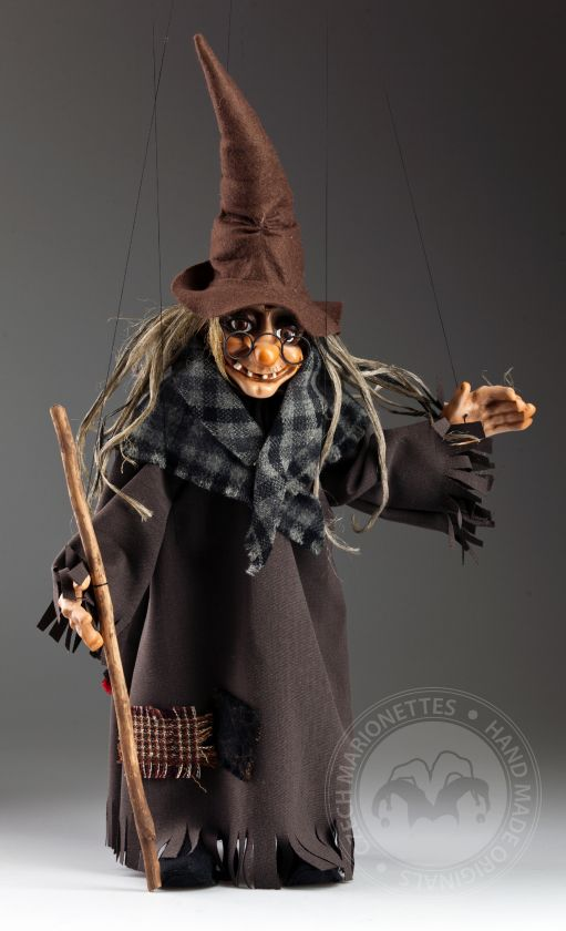 Witch with pointed hat