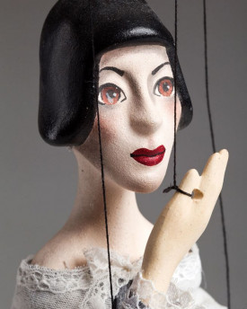 Madame Betty Marionette